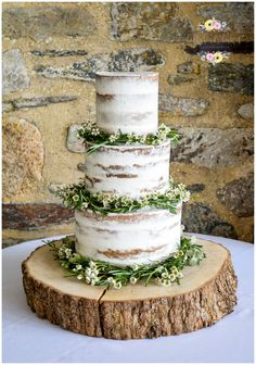 wedding cakes with flowers Semi naked cake - Floral Garlands (T. - wedding cakes with flowers Semi naked cake – Floral Garlands (Twigs amp; Wedding Cake Rustic, Woodland Wedding, Wedding Favors, Seminaked Wedding Cake, Wedding Wishes, Wedding Rings, Space Wedding, Dream Wedding, Nake Cake