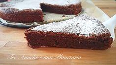 La Morbidosa al cioccolato è una torta soffice al cioccolato fondente perfetta per le merende e la colazione. Volete provare?