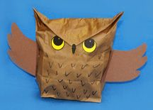 Paper Lunch Sack Craft Ideas for Fall Paper Bag Crafts, Owl Crafts, Animal Crafts, Halloween Arts And Crafts, Arts And Crafts Projects, Classroom Crafts, Preschool Crafts, Kids Learning Activities, Activities For Kids