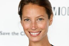 Christy Turlington, aging beautifully.  Wouldn't it be nice to look like this with no make up!