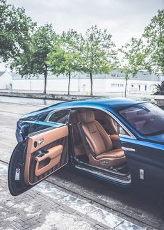 Rolls Royce Wraith. Suicide doors. Gorgeousness.