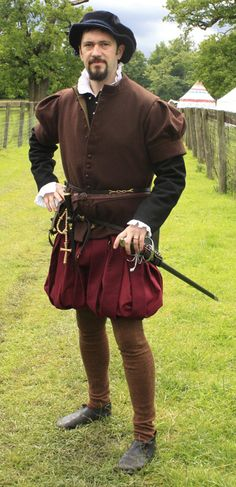 Mans costume from 1560 @ Janet Comber – Time Tailor