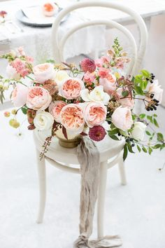 A simple urn created for the top table with a peaches and cream theme. Using the world's most iconic Juliet (Ausjameson) roses. Pastel Colour Palette, Pastel Colors, Rose Flowers, Roses, Cream Wedding, David Austin, Peach Colors, Peaches, Light In The Dark