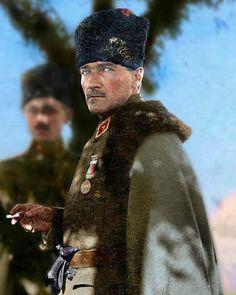 Mustafa Kemal ve silah arkadaşları destan yazdı  İmkansızı mümkün kıldı  Bu milletin onurunu ayağa kaldırdı  #30AgustosZaferBayramı Kutlu Olsun.