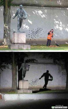 The best Street art graffiti : theCHIVE Urban Street Art, Best Street Art, Best Graffiti, Street Art Graffiti, Pablo Picasso, Outdoor Art, Mural Art, Land Art, Street Artists