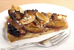 Pflaumenkuchen mit Marzipan und Mascarpone