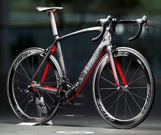 A Specialized revelou a McLaren Venge, fruto de um trabalho de nove meses com a equipe de Fórmula 1. A bicicleta de competição, produzida c...