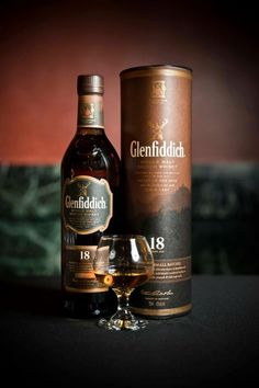 The Glenfiddich 18 Year Old Single Malt Scotch Whisky. Cigars And Whiskey, Scotch Whiskey, Bourbon Whiskey, Whiskey Bottle, Cuban Cigars, Fun Drinks, Alcoholic Drinks, Beverages, Spiritus