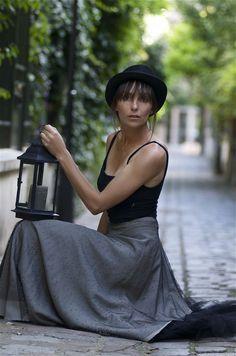 Carole Bianic, Portrait, Physique, Photos, Ballet Skirt, Stars, Model, How To Wear, Bouquet