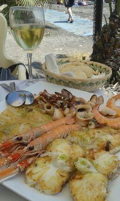 Lunch on the beach #costa #tropical #playalacabria #granada #seafood