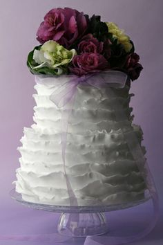 Beautiful Cake Pictures: Pretty White Frills Cake with Bouquet of Flowers Topper - Cakes with Frills, Flower Cake, Wedding Cakes - Floral Wedding Cakes, White Wedding Cakes, Wedding Cake Designs, Wedding Ideas, Lilac Wedding, Camo Wedding, Wedding Cupcakes, Wedding Details, Wedding Inspiration