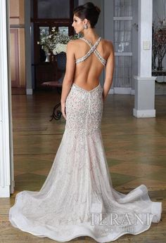 This dress is Gorgeous!! Not that I need one for anything- but I just came across it and had to pin it.