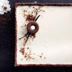 Vanilja pannacotta, täydellinen herkku kahvipöytään tai juhlahetkeen. Tarts, Baking, Desserts, Cake Rolls, Bread Making, Tailgate Desserts, Deserts, Pies, Patisserie