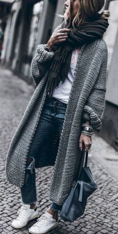 Cozy 35+ Flawless Women's Cardigan Spring Summer Outfits https://www.tukuoke.com/35-flawless-womens-cardigan-spring-summer-outfits-2241