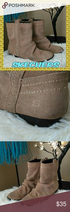 EUC Skechers Leather Ankle Boots Cute Skechers brand tan suede ankle boots in excellent used condition. These boots have been thoroughly cleaned & brushed. Soles show light wear. Structures are excellent. Size 7.5. Thank you for visiting my closet 💖 Skechers Shoes Ankle Boots & Booties