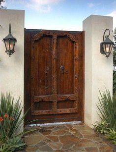 Courtyard gate by Jeff Andrews Design Más Wooden Garden Gate, Garden Doors, Garden Gates, Front Gates, Entry Gates, Front Doors, Spanish Style Homes, Spanish House, Spanish Colonial