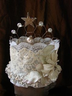 Front of crown by Vintage Flair, via Flickr