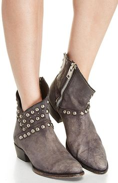 Matisse Cowboy Booties in Gray