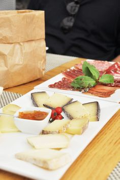 Lunch in Pitigliano Maremma Tuscany.best place to get cheese! Tuscan Recipes, Italian Recipes, Tuscany Food, K Cup Coffee Maker, Charcuterie Plate, Wedding Desert, Toscana Italia, Good Food, Yummy Food