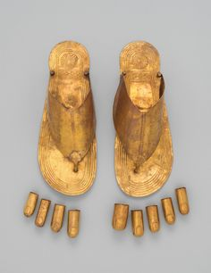 These ancient Egyptian sandals and toe stalls dating to between 1479 and 1425 BC, would have been used to decorate a body for its voyage to the afterlife / The Met's Latest Blockbuster Tells a Powerful Story through 230 Jewels - Introspective Metropolitan Museum, Jewellery Exhibition, Ancient Mesopotamia, Dior, Nyc, Ancient Jewelry, Viking Jewelry, Gold Sandals, Egyptian Art