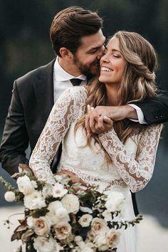 Wedding Photography Styles, Mehendi Photography, Couple Photography, Photography Ideas, Creative Wedding Photography, Church Wedding Photography, Vintage Wedding Photography, Photography Accessories, Photography Lighting
