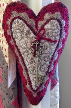 The Paisley Studio: Needle Punch Class at Farmhouse Quilts Hook Punch, Farmhouse Quilts, Punch Needle Patterns, Hand Hooked Rugs, Craft Punches, Stitch Book, Wool Art, Penny Rugs, Wool Applique
