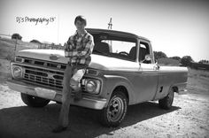 Boys senior pictures with his truck