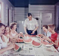 South Carolina This brings back memories of summers eating watermelon at the lake house! Photo Vintage, Vintage Ads, Vintage Photos, Funny Vintage, Vintage Humor, Vintage Items, Eating Watermelon, Watermelon Recipes, Watermelon Pics