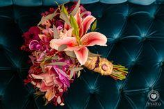 Buquê de noica por Odeon Decorações. Plants, Bouquet Wedding, Plant, Planets