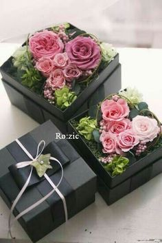 Image of Ro: zic die floristin Dried Flowers, Silk Flowers, Paper Flowers, Beautiful Flowers, Flower Box Gift, Flower Boxes, Deco Floral, Arte Floral, Flower Packaging