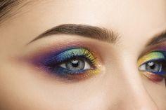 Regenbogen Make-up augen lidschatten blauer lidstrich #makeup