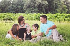 Family Photography by Megan Seals Photography in Tennessee. | www.megansealsphoto.com
