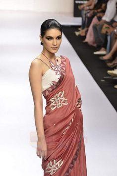 Vivek Kumar Saree   appliqué blouse    saree blouse design designer saree