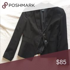 Ann Taylor Blazer Beautiful and professional blazer. Great for work, or throw jeans and a cute top on for a night out! Only worn once! Ann Taylor Jackets & Coats Blazers