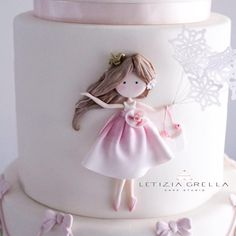 Cake decorated with pretty gum paste girl. Pretty Cakes, Cute Cakes, Beautiful Cakes, Buttercream Cake, Fondant Cakes, Cupcake Cakes, Baby Cakes, Super Torte, Little Girl Cakes