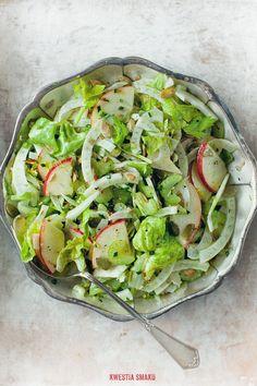 Fennel bulb & seeds, celery stalks and apple salad