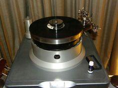 Pluto Audio with titanium 6 A Tonearm