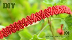 DIY Herz gemustert Makramee Armband [Tutorial] baby teether bag bracelet classes adelaide 2020 designs macrame designs dreamcatcher fashion designers home decor Macrame Bracelet Tutorial, Macrame Necklace, Macrame Jewelry, Macrame Bracelets, Loom Bracelets, Friendship Bracelets, Macrame Owl, Macrame Knots, Armband Tutorial