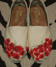 Custom TOMS - Field of Poppies, price includes shoes in your size and color Hand Painted Toms, Painted Canvas Shoes, Custom Painted Shoes, Custom Shoes, Toms Shoes Outlet, Discount Toms, Shoe Art, Cheap Shoes, New Shoes