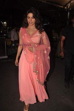 @PriyankaChopra Rose Pink Divalicious