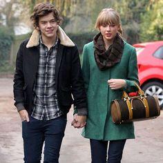 De novembre 2012 à janvier 2013, Harry Styles, du groupe One Direction, est tombé entre les mains de... - popsugar.com