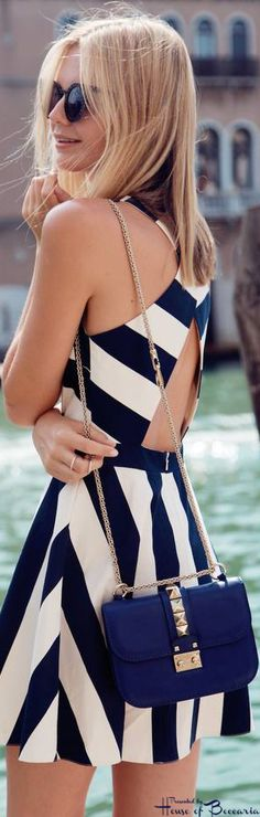 ~Valentino Rockstud Crossbody On The Venice Canal | House of Beccaria#