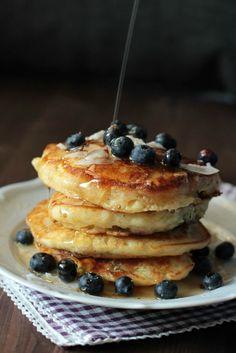 Buttermilch-Blaubeer Pancakes ~ SASIBELLA