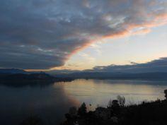Alba e nuvole si mescolano nel mattino di #Meina ( #Novara #Piedmont #Italy ) #sunrise #majorlake