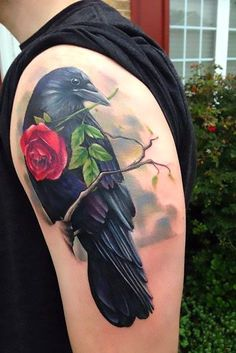 A nice tattoo of a crow with rose in its beak. Up Tattoos, Great Tattoos, Future Tattoos, Beautiful Tattoos, Body Art Tattoos, Tattoos For Guys, Tattoos For Women, Bird Tattoos, Crow Tattoo For Men