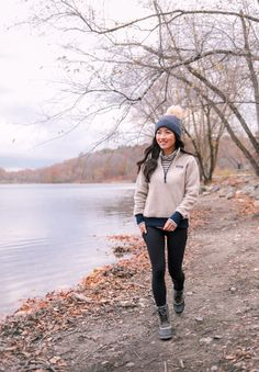 Patagonia sale at Backcountry - petite friendly jacket style try ons Sharing a few Patagonia pieces on sale for off! Patagonia Sale, Patagonia Outfit, Patagonia Pullover, Patagonia Jacket, Super Petite, Extra Petite, Cute Hiking Outfit, Winter Outfits, Camping Outfits