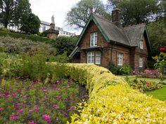 Greenkeeper_s+cottage_+Princes+Street+Gardens.jpg (1920×1440)