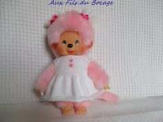 Dress for plush monchhichi kiki 20 cm. Dress made by knitting with a white wool fastened at the back with a button. White Dress, Monkey, Outfits, Etsy, Dresses, Outfit, Softies, Perler Patterns, Vestidos