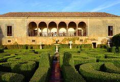 Los jardines de la quinta da Bacalhoa Algarve, Setubal Portugal, Patio Interior, Exterior Design, Outdoor Spaces, To Go, Wine, House Styles, Travel