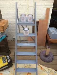 Houten ladder met krijtverf geschilderd